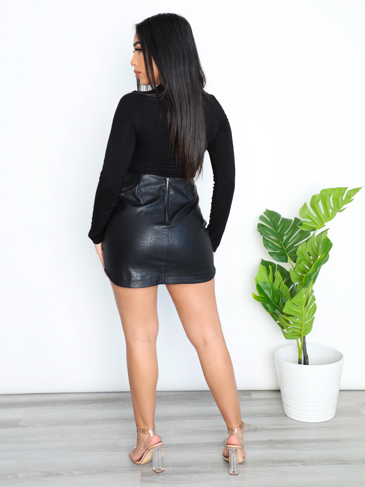 Madelyn Leather  Skirt (Black)