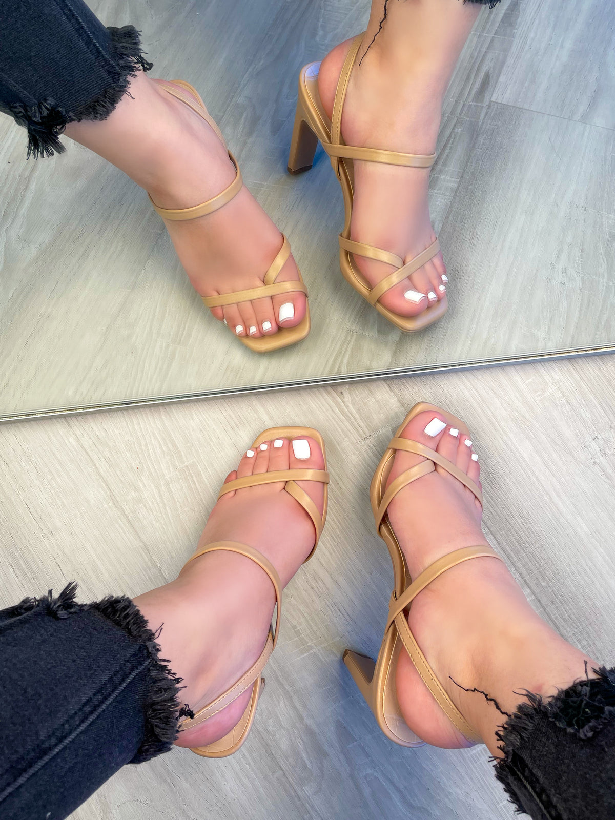 sand strap heels. criss cross strap, gold belt, adjustable straps