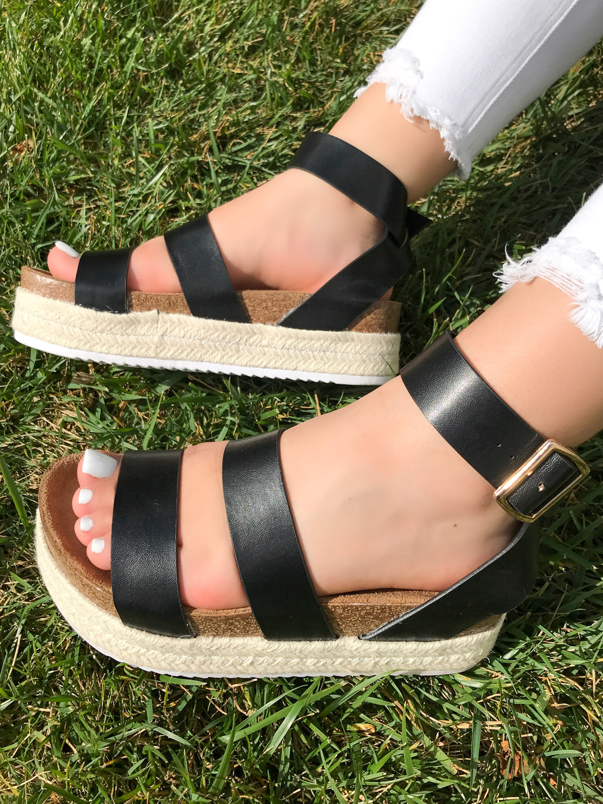 Isabel Platform Sandals (Black)