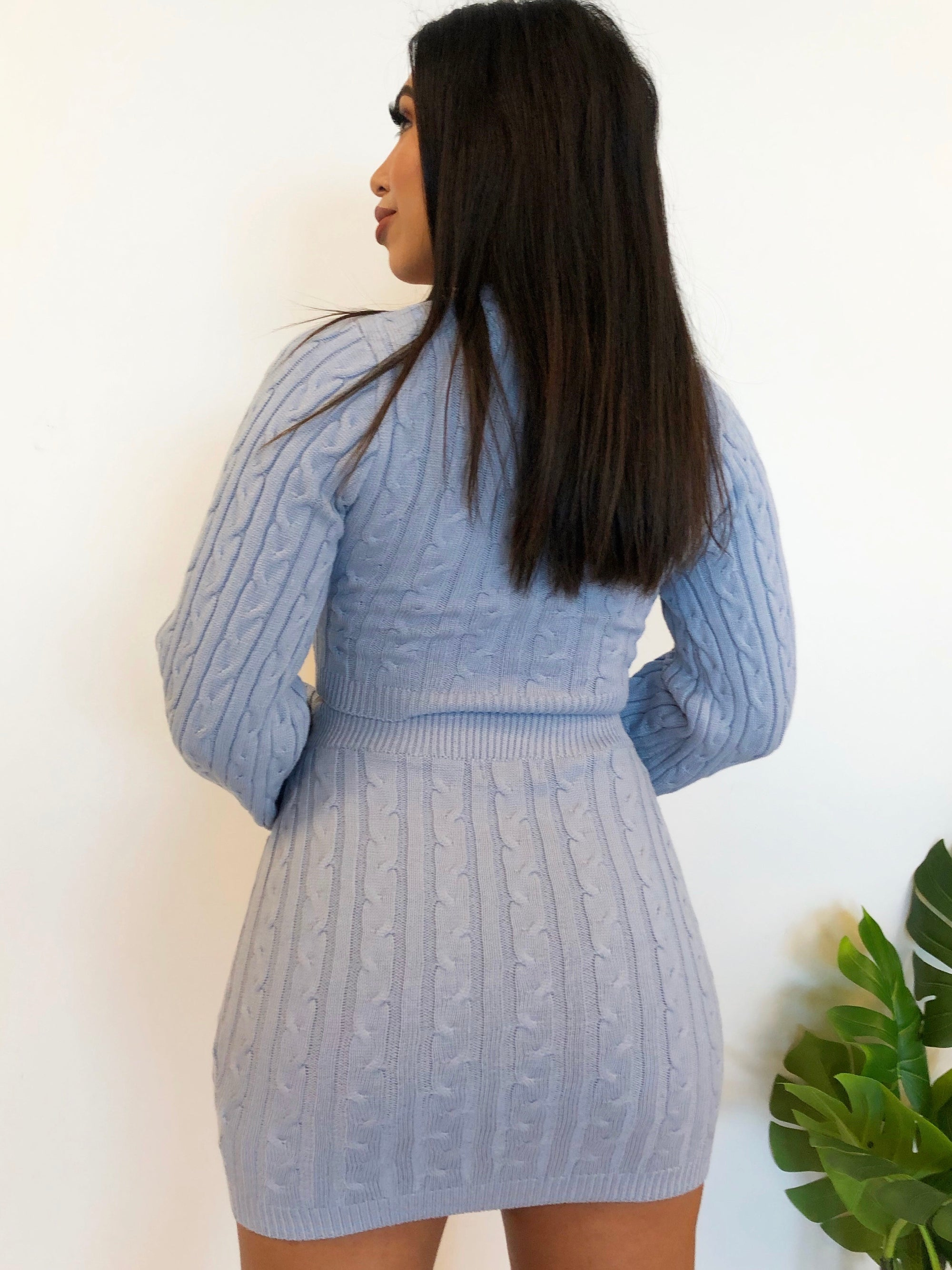 blue 2 piece, long sleeve, high waist skirt, crop top, knit 2 piece, v cut