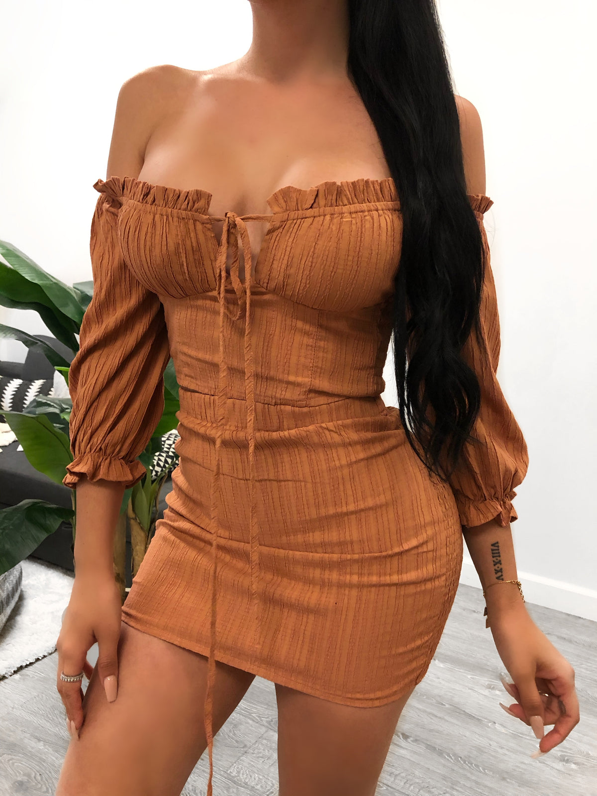 rust 2 piece, quarter sleeve, off the shoulder top, key hole, self tie, high waist skirt