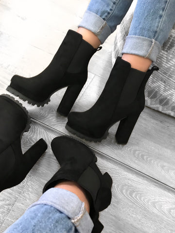 Norvina Booties (White)