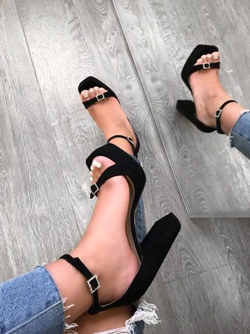 Rene Crystal Sandals (black)