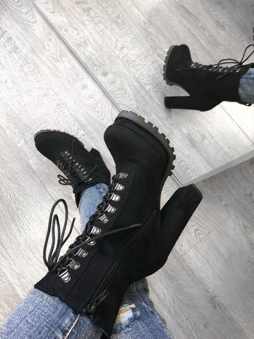 Kimmy Booties (black)