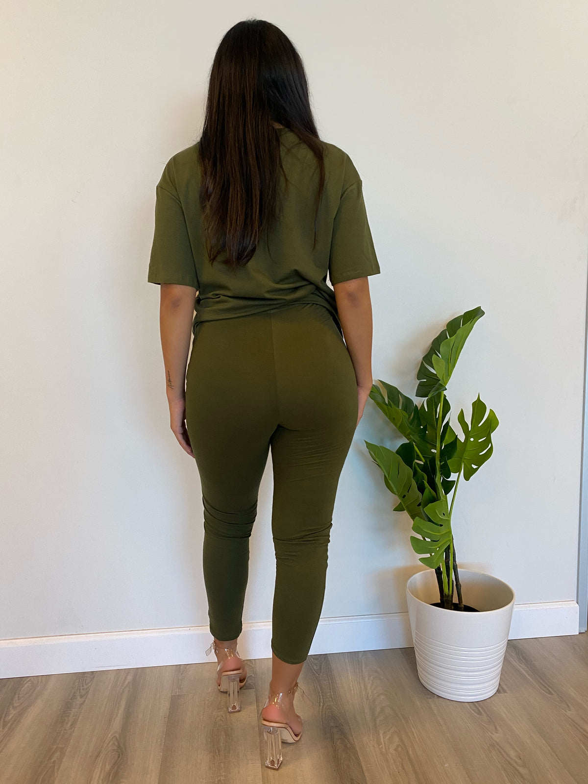 olive 2 piece, high waist leggings, oversize tee, short sleeve
