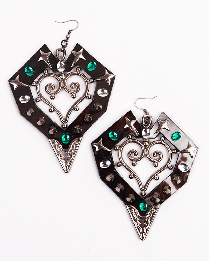 EAT MY HEART SILVER EARRINGS - Eros Mortis