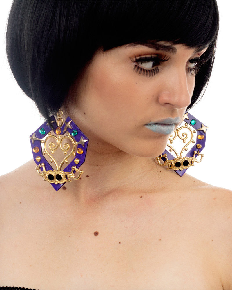 EAT MY HEART PURPLE EARRINGS - Eros Mortis