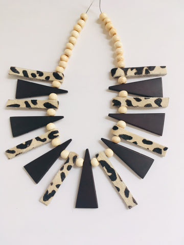 Faux Fur and Wood Triangles Necklace