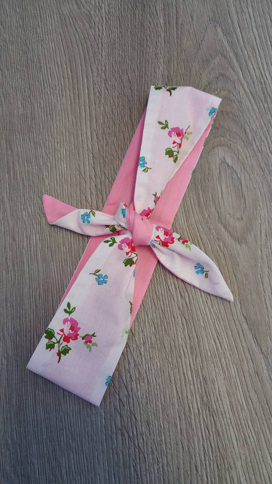 Louella DeVille Handmade Bandana Head Wrap White Shabby Floral (Blue/Pink)