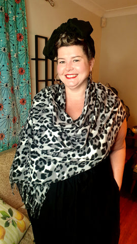 Jungle Fever Fleece Warm Scarf Snow Leopard