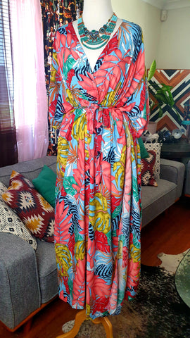 Sunshine Tara Tiki Maxi Dress 60s Love Bird