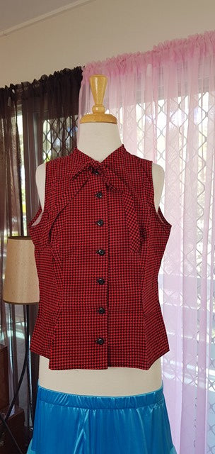 PRE LOVED! Heart Of Haute Mandy Top Red Houndstooth