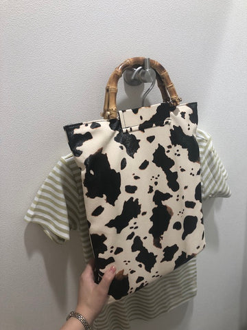 It's a Moo-d Bamboo Handle Western Bag