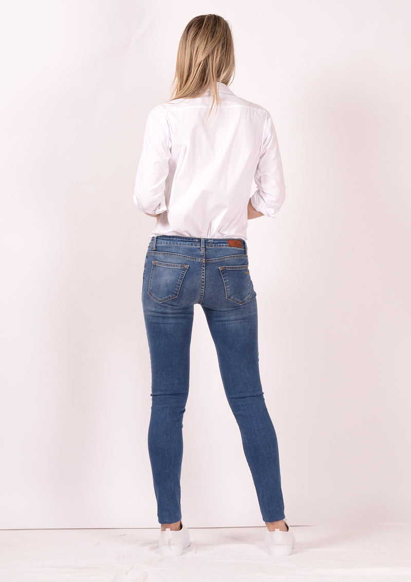 Clara Litasu Low Rise Slim