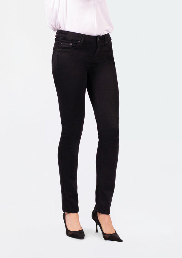 Aspen Y Black Mid Rise Slim Straight