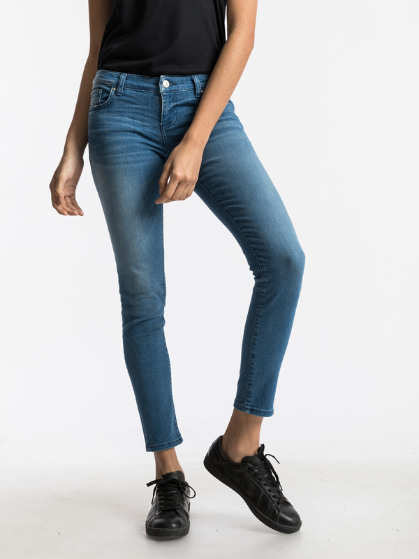 Mina Catalina Low Rise Skinny Ankle