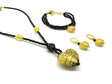 Heart shaped Murano Glass necklace , black, Giulia model - natural italian skincare www.MilanoCoronado.com
