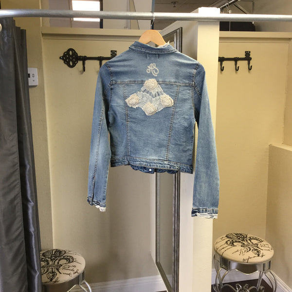 Jacket, True blue Jean with embroidery patterns - natural italian skincare www.MilanoCoronado.com