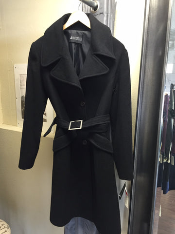 Coat, black with belt - natural italian skincare www.MilanoCoronado.com