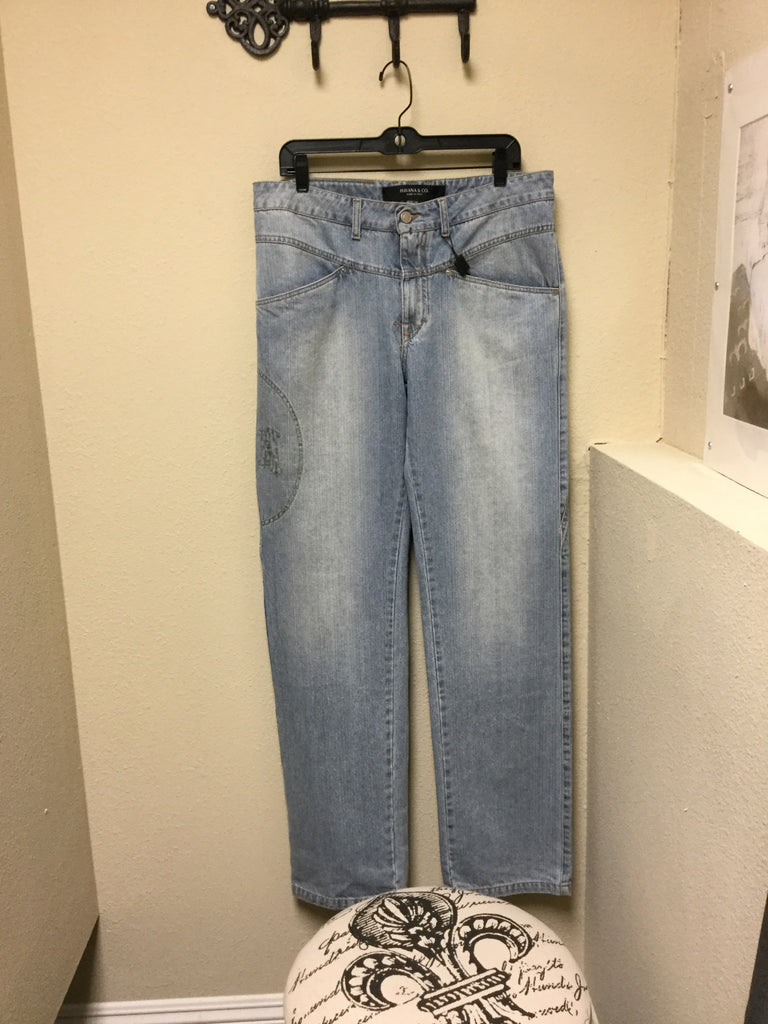 Jeans, light blue straight leg With brand detail stitching - natural italian skincare www.MilanoCoronado.com