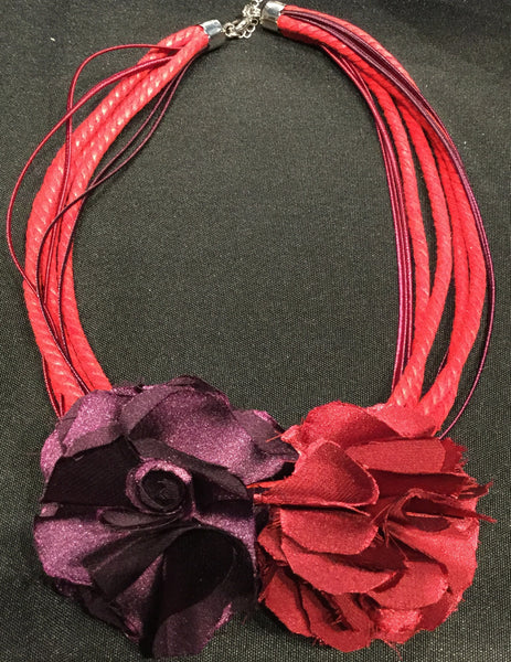 Necklace, Red and Purple with roses, Grindelia Red - natural italian skincare www.MilanoCoronado.com