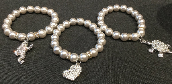 Bracelet, silver pearls with frog charm - natural italian skincare www.MilanoCoronado.com