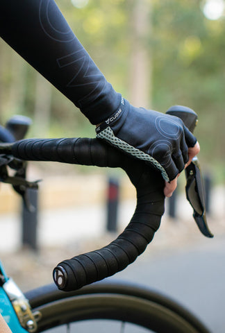 SIGNATURE 'BLACK' fingerless gloves