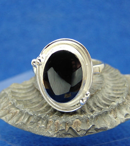 4 bead oval ring