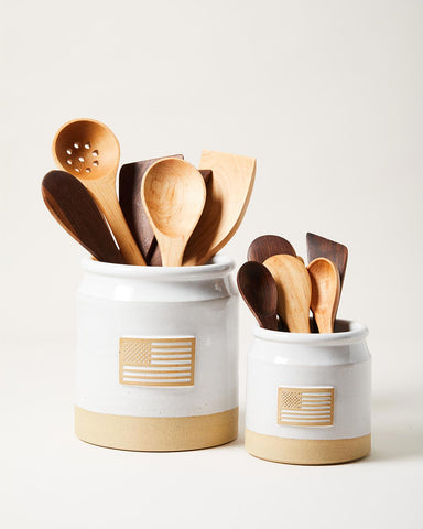 United Crock large and small with wooden utensils