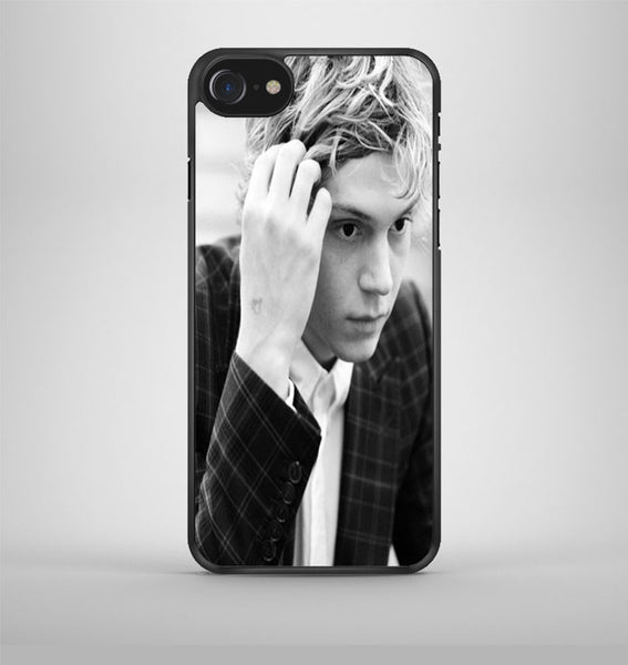 Evan Peters iPhone 7 Case Avallen