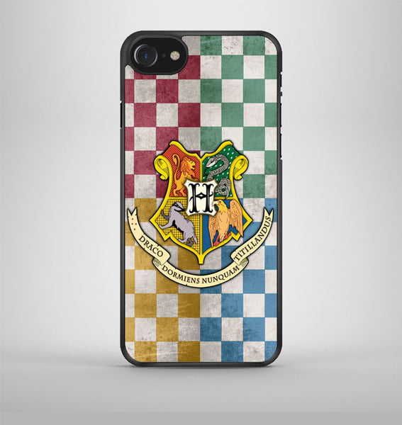 Hogwarts Crest iPhone 7 Case Avallen