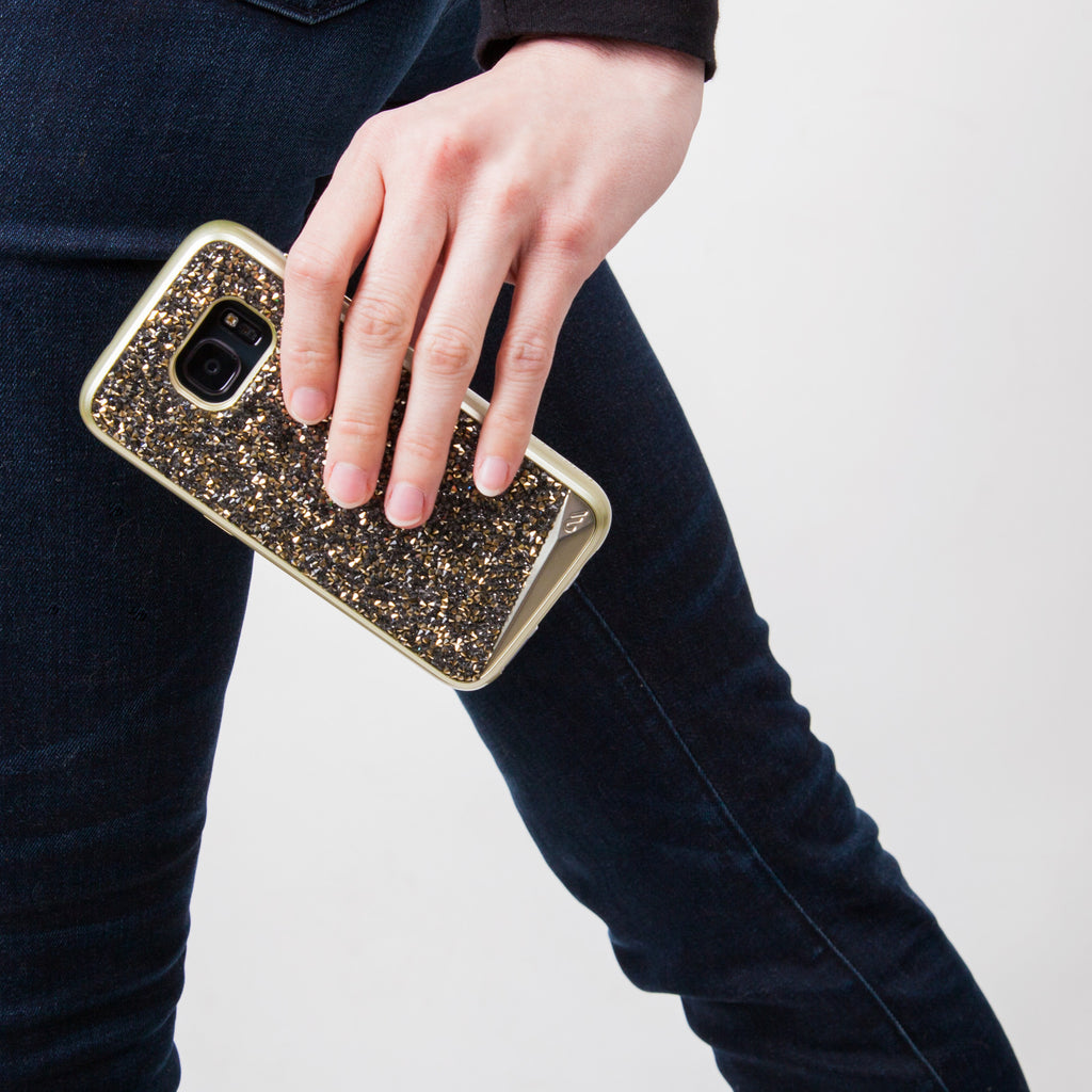 Samsung Galaxy S7 Champagne Brilliance Case - lifestyle angle 1