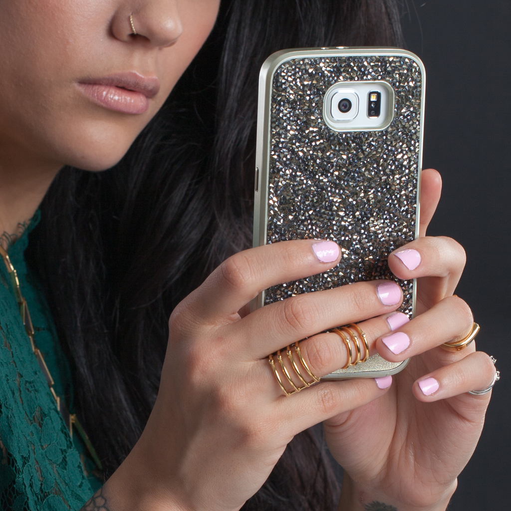 Samsung Galaxy S6 Champagne Brilliance Case - lifestyle angle 2