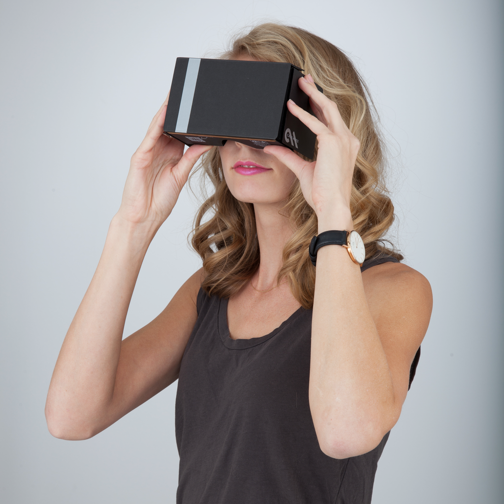 Google Cardboard Virtual Reality Viewer 2.0 - image angle 1