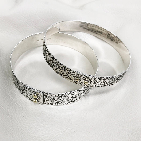 BBA109B-ASSOR | STATEMENT BANGLE