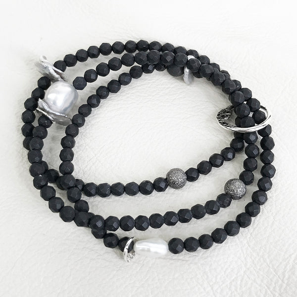 BBT43B-BKWPL | BLACK AND PEARLS