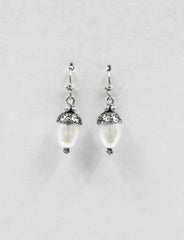 EAC2-P | Pearl acorn earrings