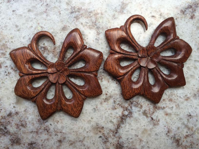 "8g Blood Wood ""Bintang"" Hangers"