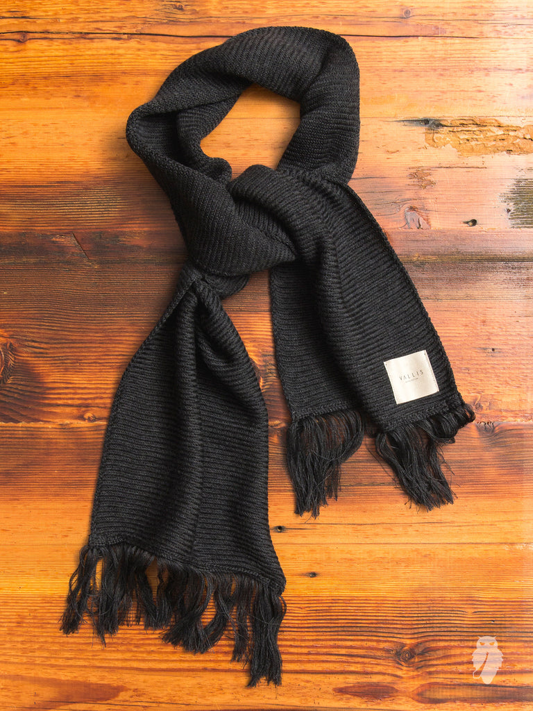 Wool Herringbone Scarf in Charcoal