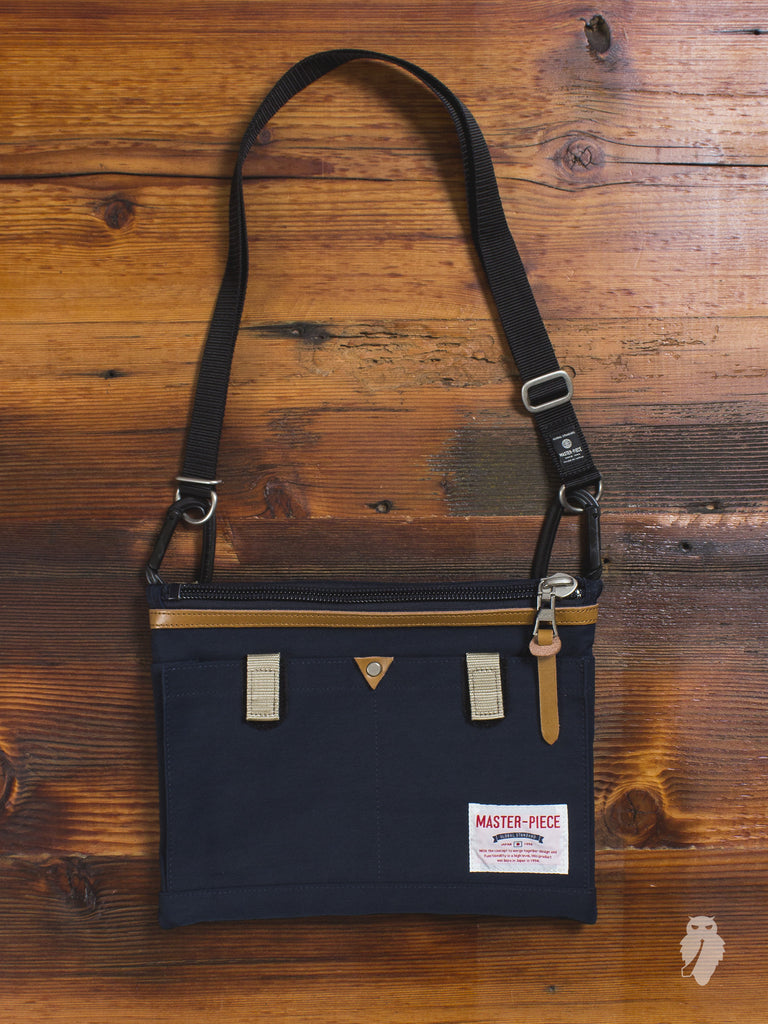 Link Shoulder Bag in Navy