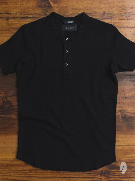 1x1 Slub Short Sleeve Henley in Black