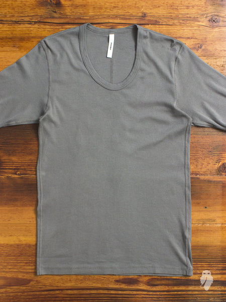 U-Neck T-Shirt in Khaki Grey