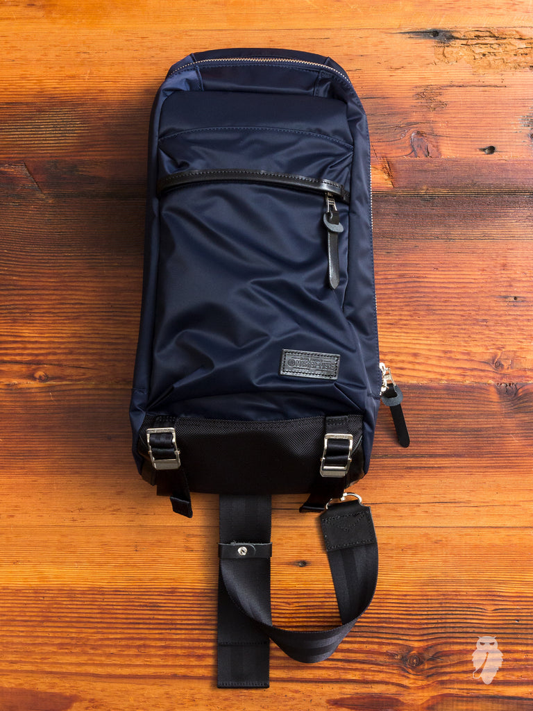 Lightning Shoulder Bag in Navy