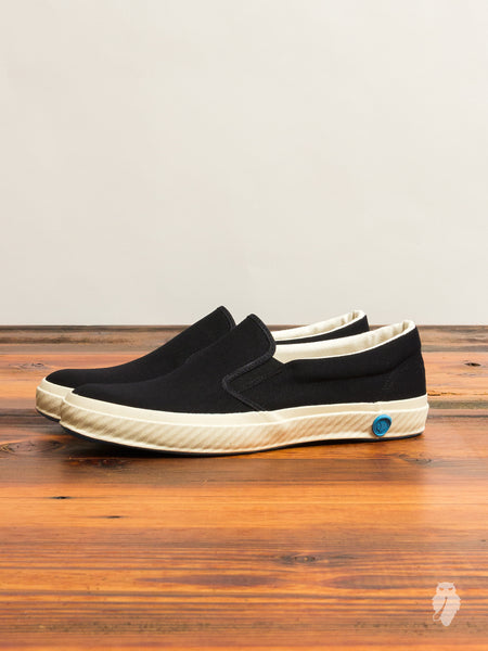 02JP Slip-On Sneaker in Black