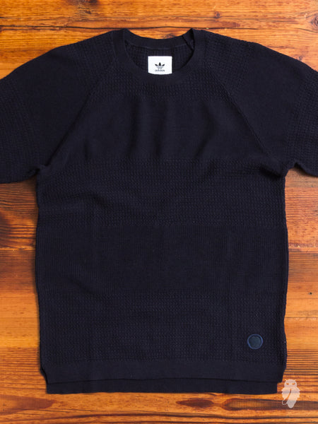Linear T-Shirt in Night Navy
