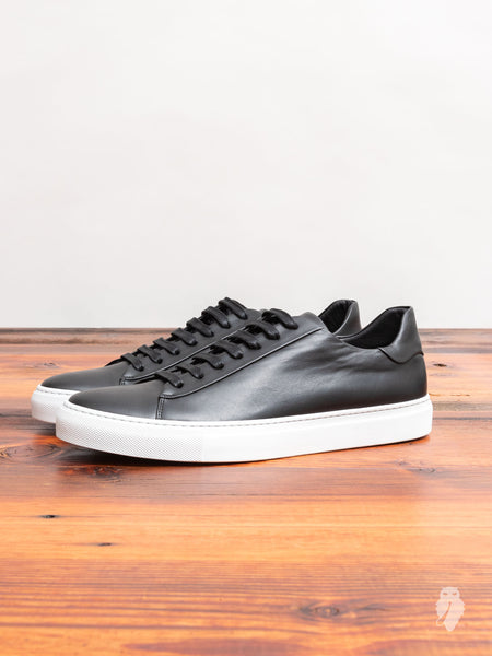 Court Low-Top Sneaker in Black