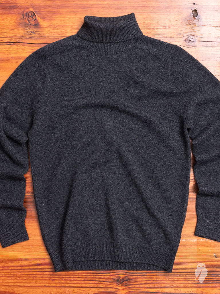 """Gibson"" Cashmere Turtleneck Sweater in Charcoal"