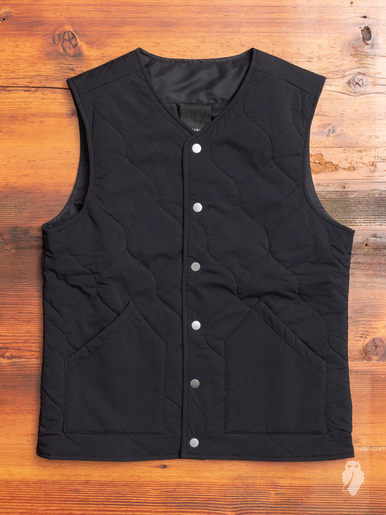 Reversible Alpha Vest in Black