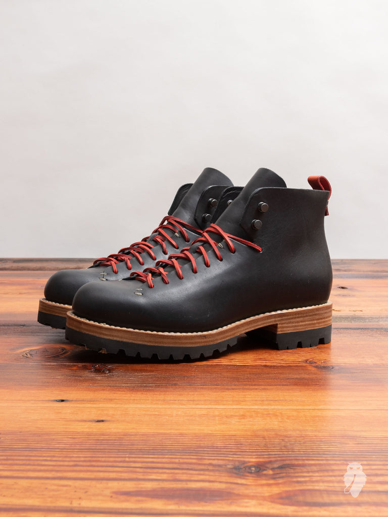 Bamboo Hiker in Black