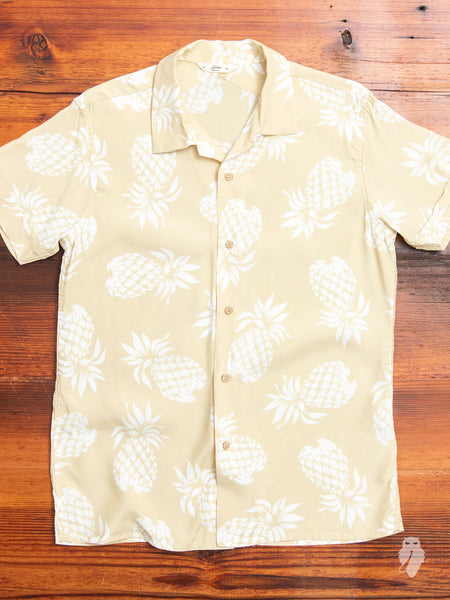 Vacation Shirt in Tan Pineapple